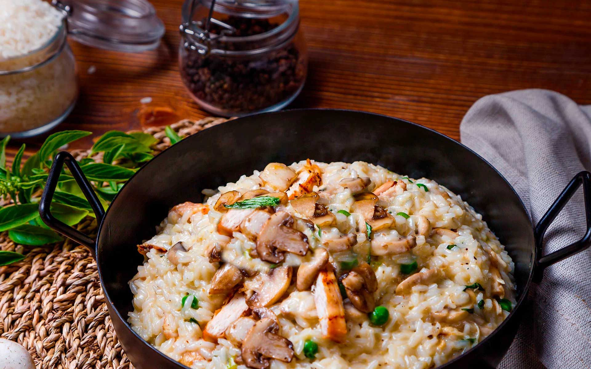 Immagine di sfondo di un risotto made in Italy